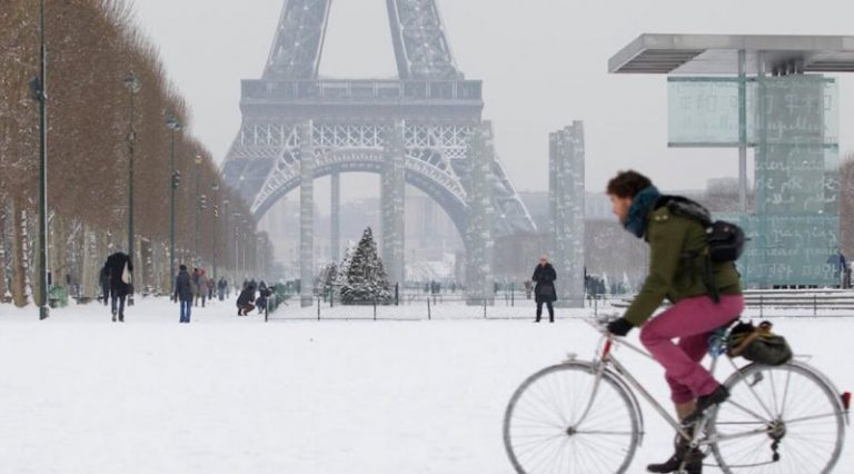 फ्रान्समा अस्वाभाविक हिम बर्षा, जनजीवन प्रभावित