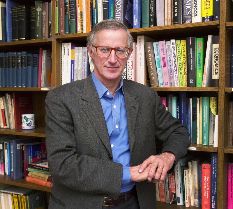 अर्थशास्त्रतर्फको नोबेल पुरस्कार दुई अमेरिकी अर्थशास्त्रीलाई
