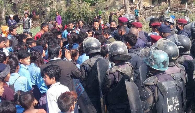 विप्लव माओवादीका नेताको घरमा छापा, अत्याधुनिक हतियार बरामद