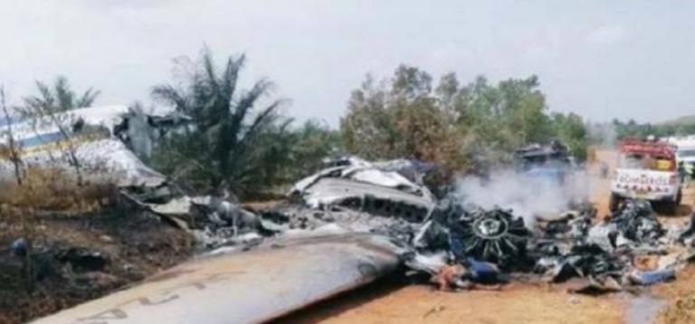 आकाशमै आगो लागेर विमान दुर्घटना, पाइलटसहित १२ जनाको मृत्यु