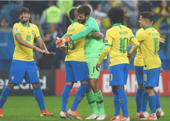 कोपा फुटबलको उपाधिका लागि ब्राजिल र पेरु भिड्दै